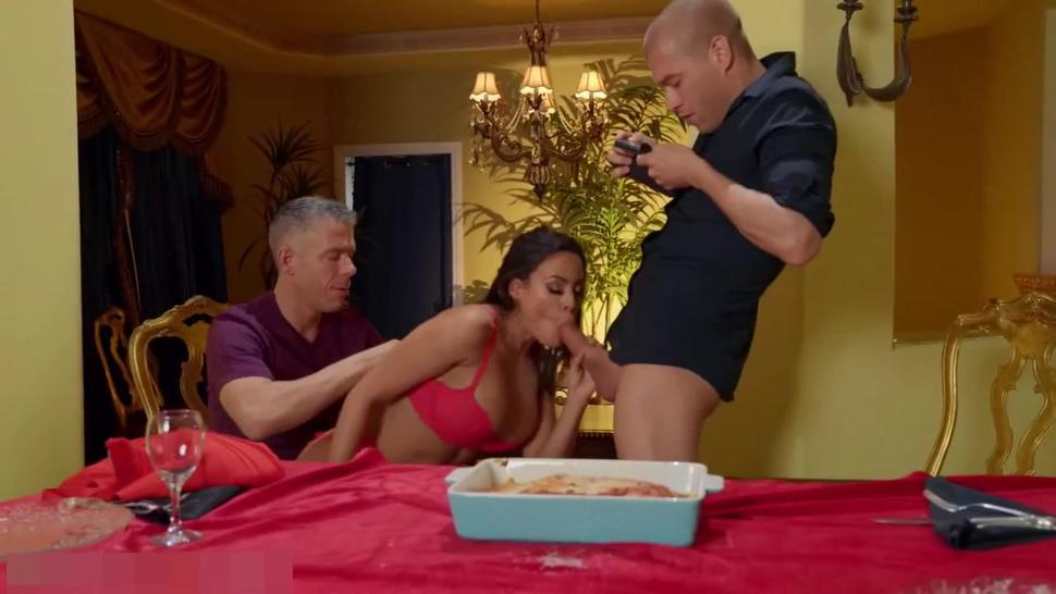 Luna Star Fucked By Two Cocks In Ass and Pussy