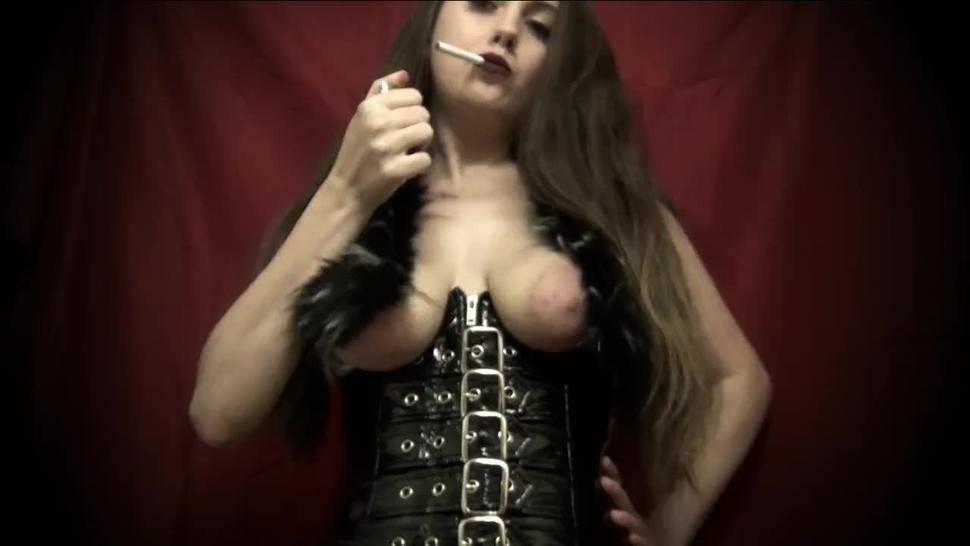 Smoking Bitch in Furs - Flawless Melissa
