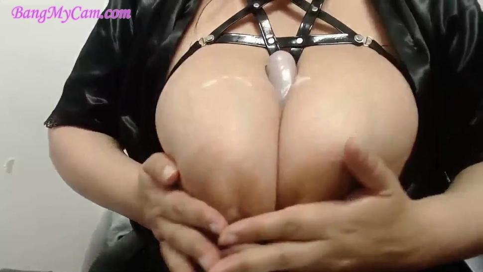 Huge Tits - Camgirl Play With Tits