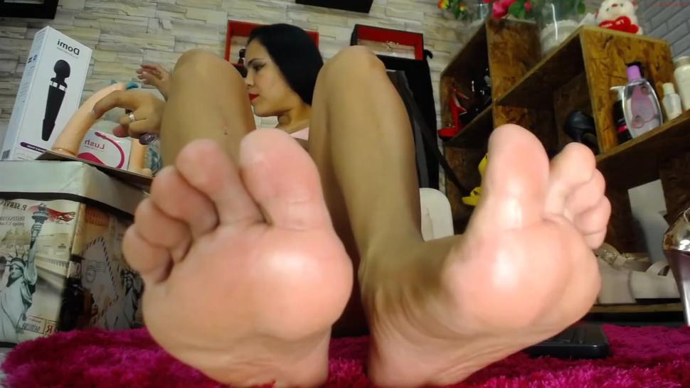Antone's sexy soles & toes & dildo footjob