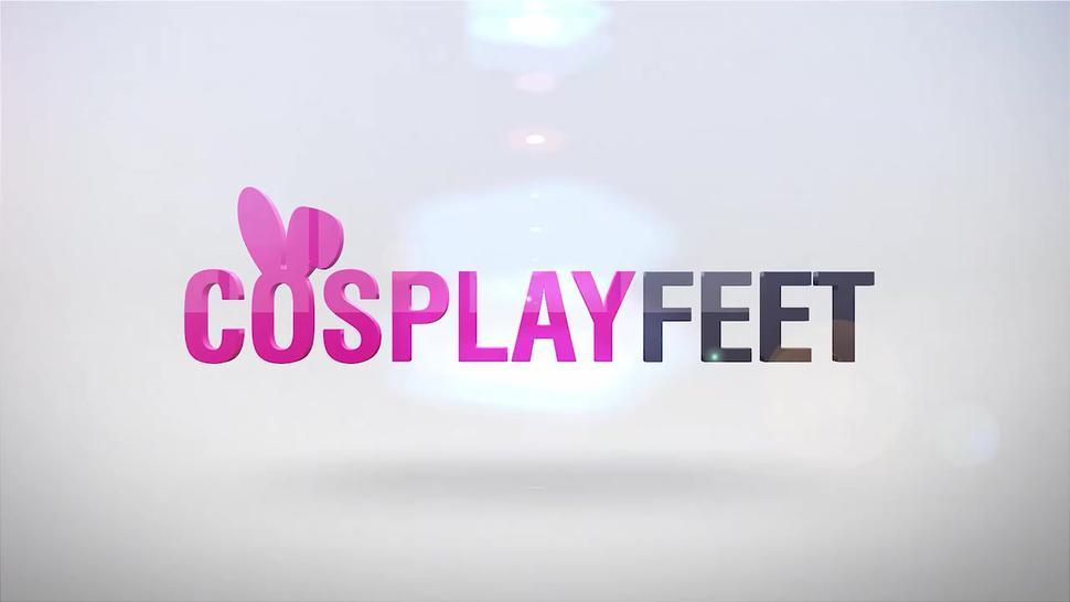 Two Harley Quinn cosplayers show feet in pantyhose