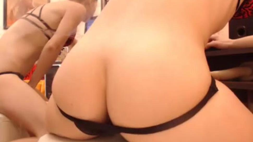 To Make Her Blonde Butt Shake With Horny Toy Inside WOW