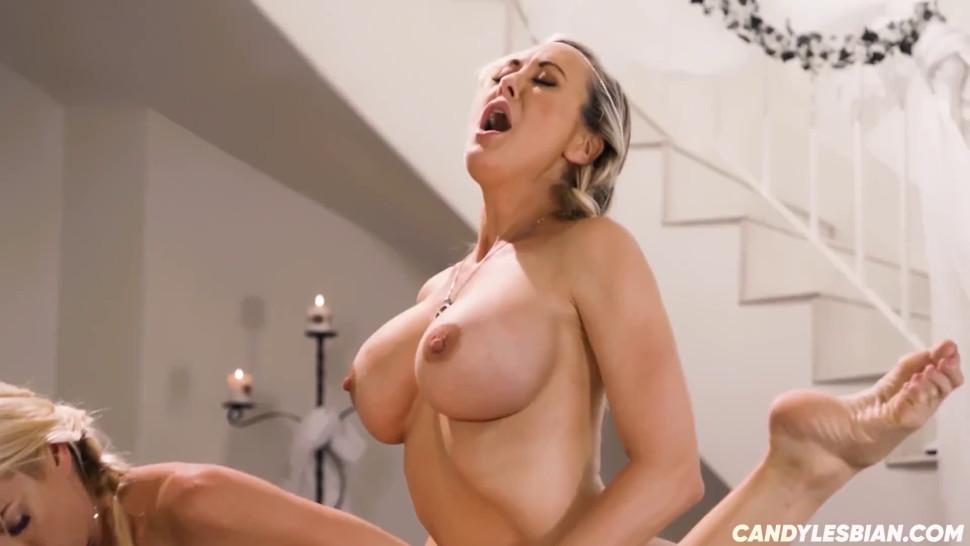 Stepsisters lesbian Threesome - Super Horny Milfs Squirting