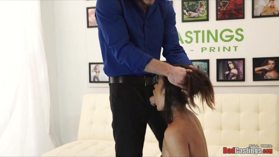 Horny babe deep throats a big hard cock in casting