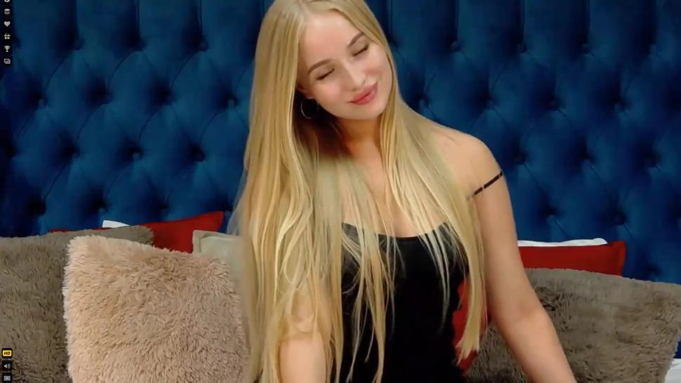 long hair blonde destroys her puss