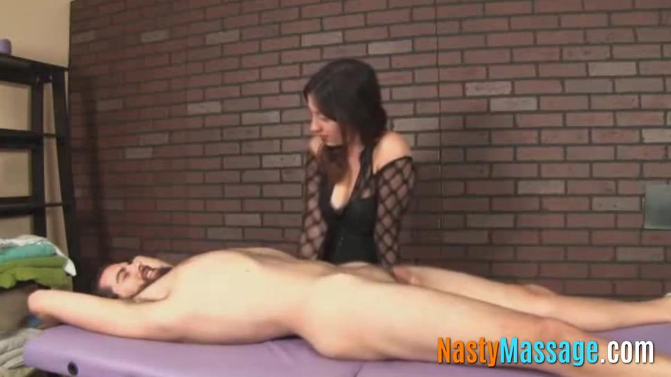 Horny dude gets the best handjob by a sexy babe