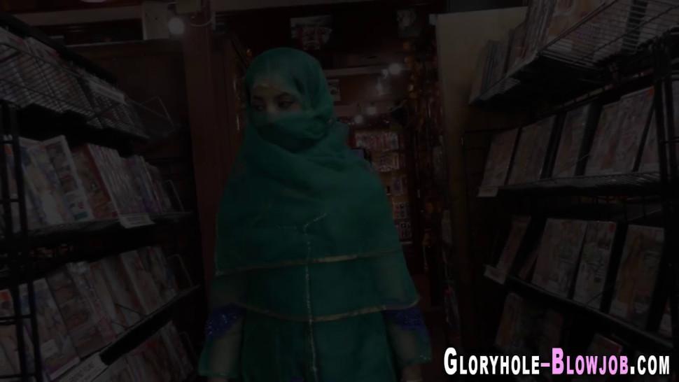 Arab skank sucks fat black pole