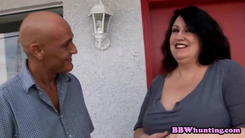 Visiting slutty bbw neighbour only with dick out