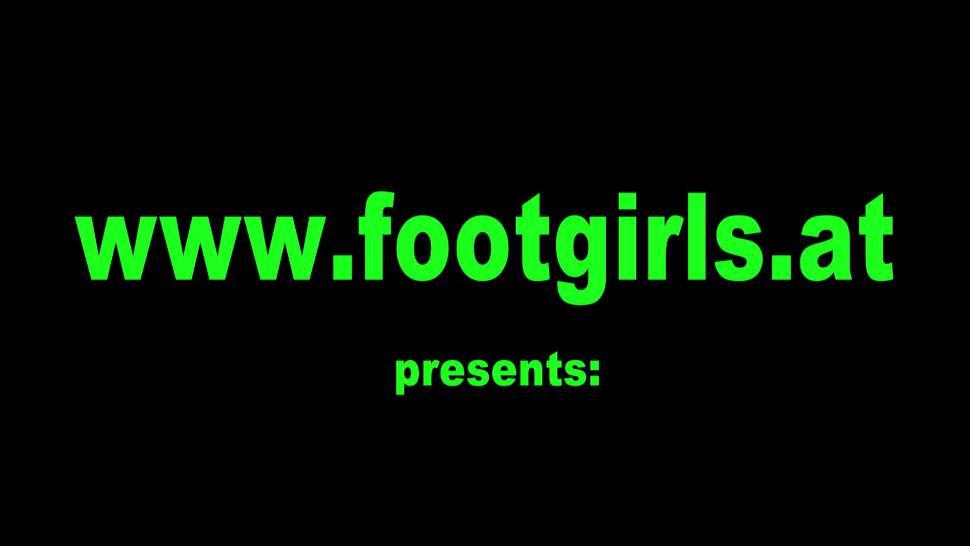 Foot Girls enjoy get foot worship