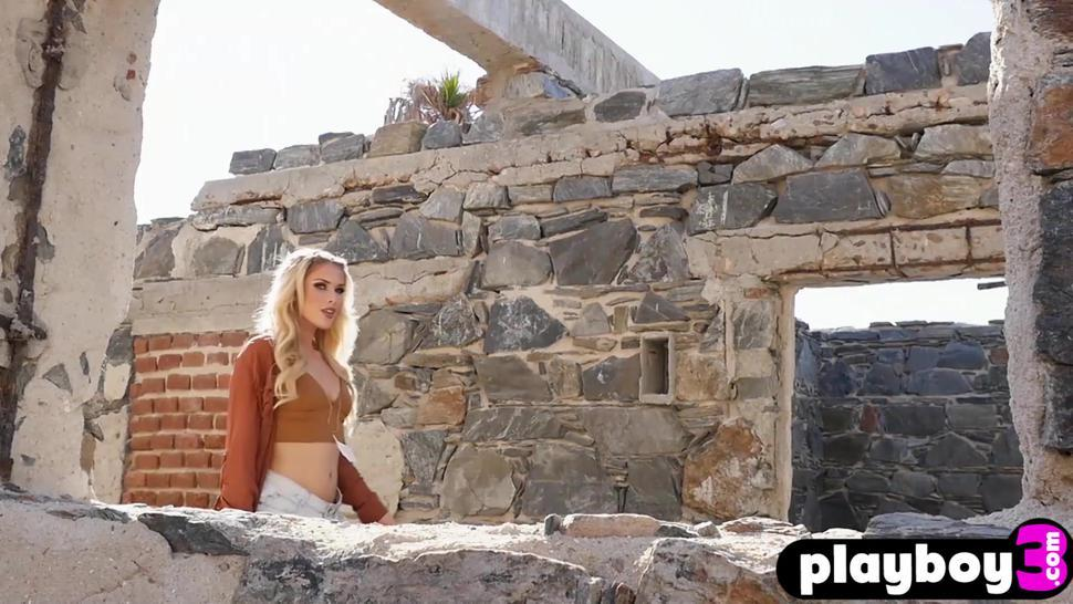Sexy blonde model exposed sexy body after hot posing