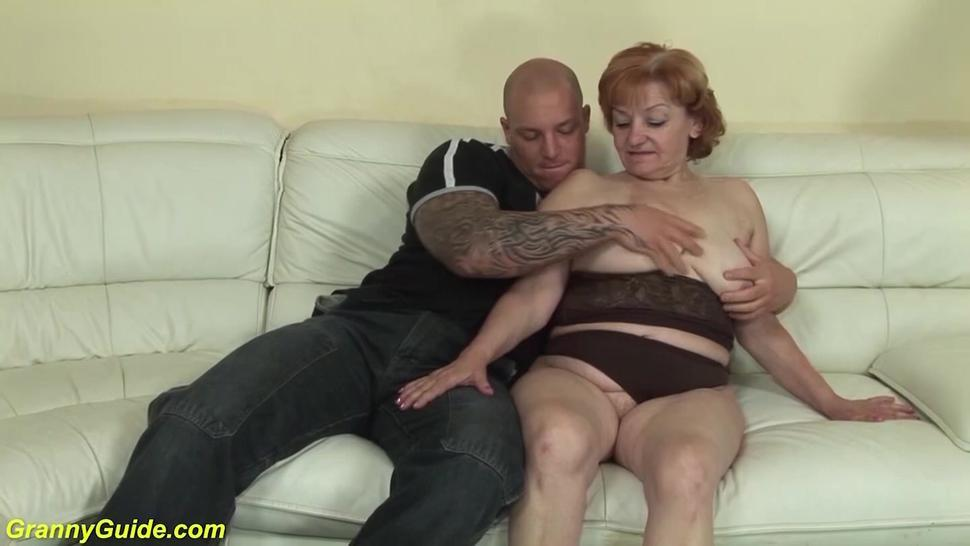 GRANNYGUIDE - ugly toothless 74 years old mom fucked