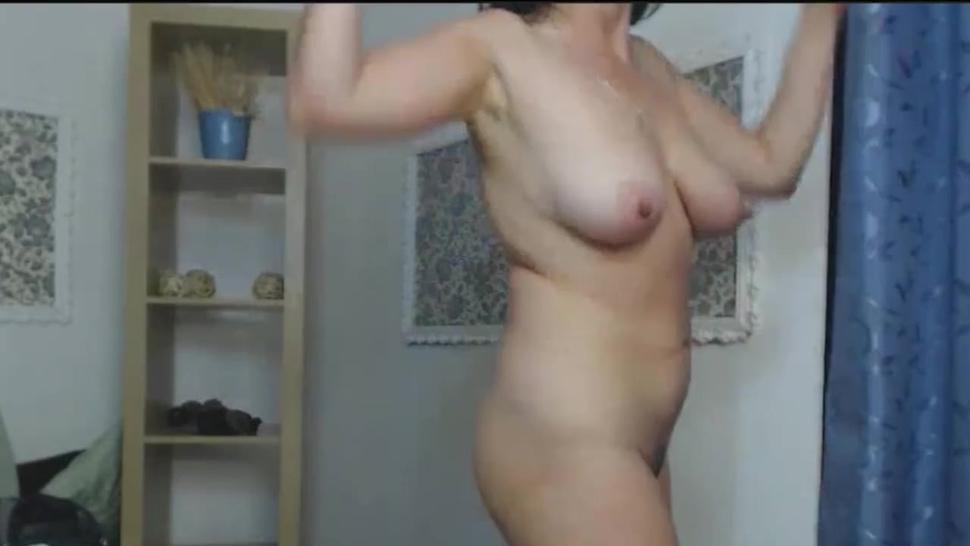 Older Woman got Crazy and Thrilling Horny on Live Cams