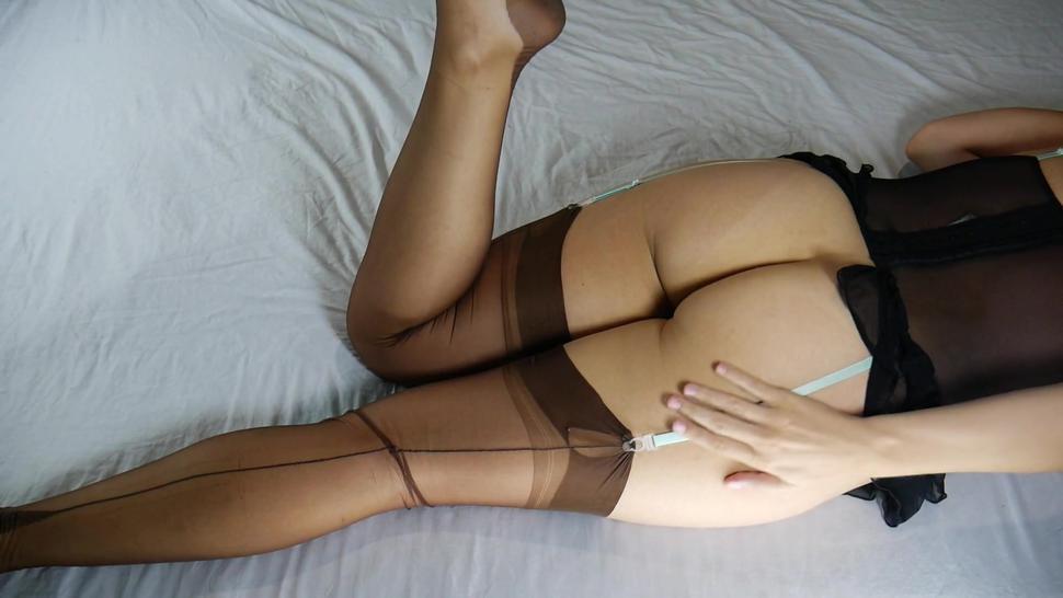 Syntribation, MILF Masturbates With Crossed Legs, Real Female Orgasm