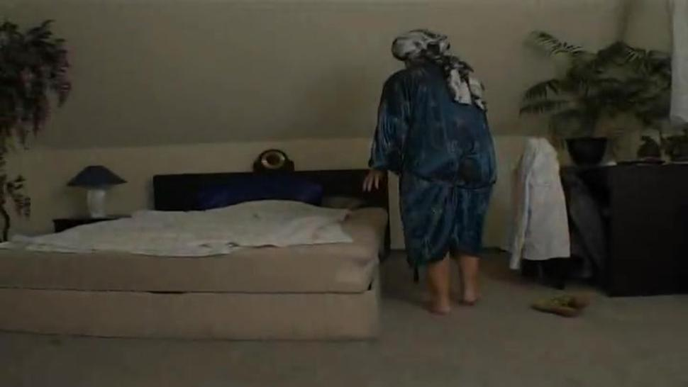 Granny Mamie getting gang banged