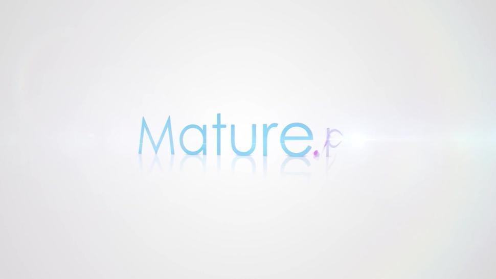 Mature.nl - Black mature BBW doing her toyboy