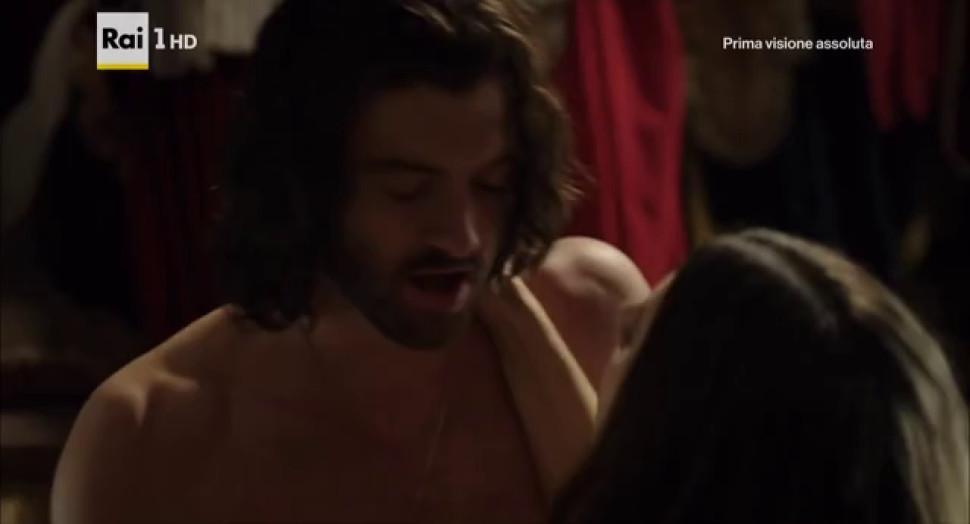 Miriam Leone nude - Valentina Belle nude - Medici Masters of Florences 01e01 - 2016