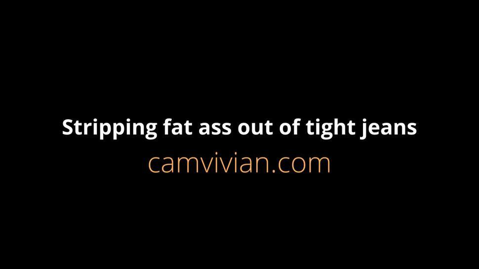 camvivian-stripping-fat-096-partp55.mp4Stripping fat ass out of tight jeans
