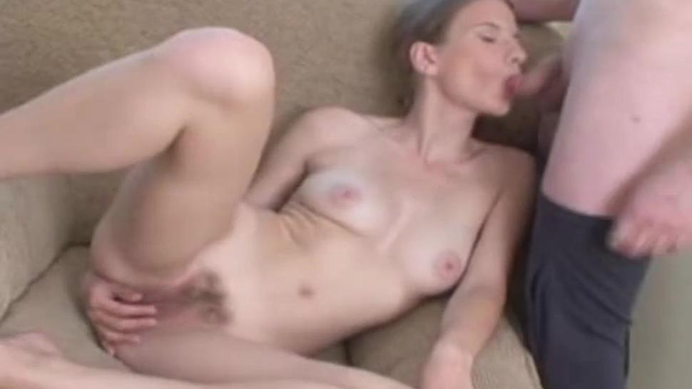 Petite Amateur Gets Hiot Load Shot Onto Her Pussy After A Deep Fucking