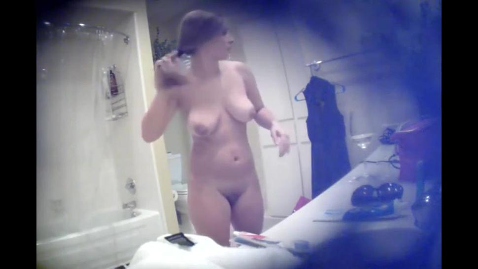 Spying a naked stepsister from Texas