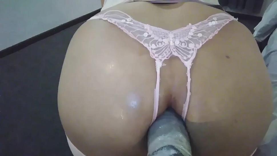 Sexy horny ass