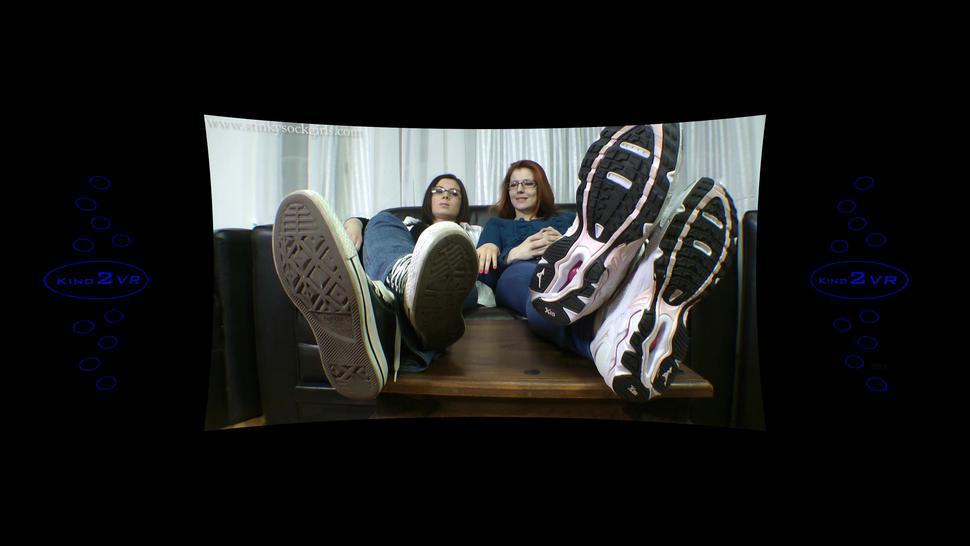 two girls too sexy four socks four feet - 360 VR Kino2VR