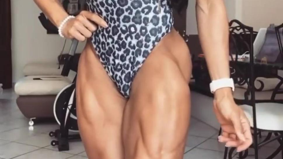 Do you like LEGS (onlyfans. com/tifftuffstuff)