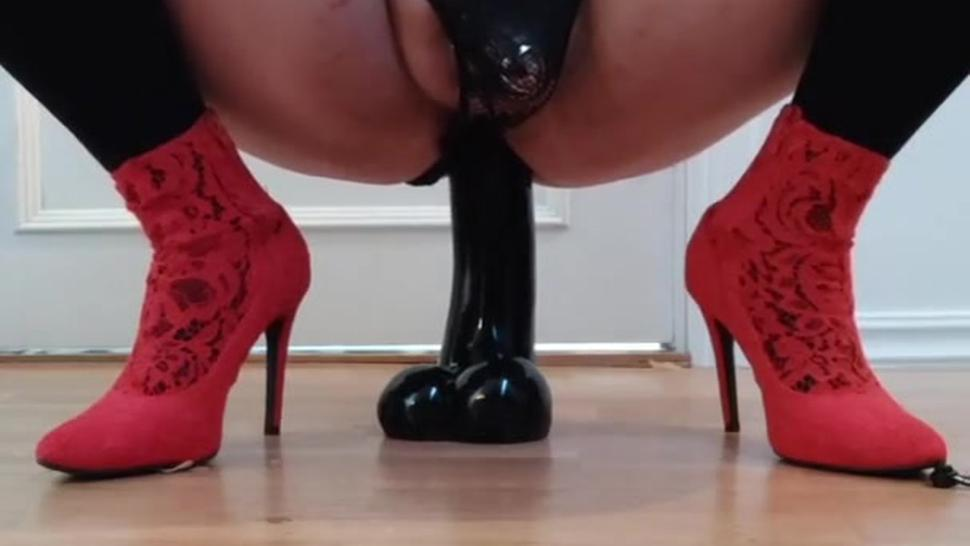 Anal Sissy gets her Anal Destroyed by a huge dildo