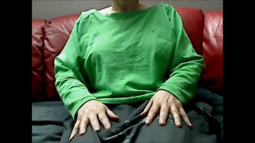 Moms Saggy Boobs Webcam