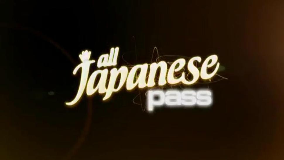 ALL JAPANESE PASS - Rui Natsukawa tastes dick the swallows whole load