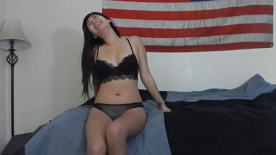 Asian Beauty Gets Cunt Pounded Before The Big Cumshot