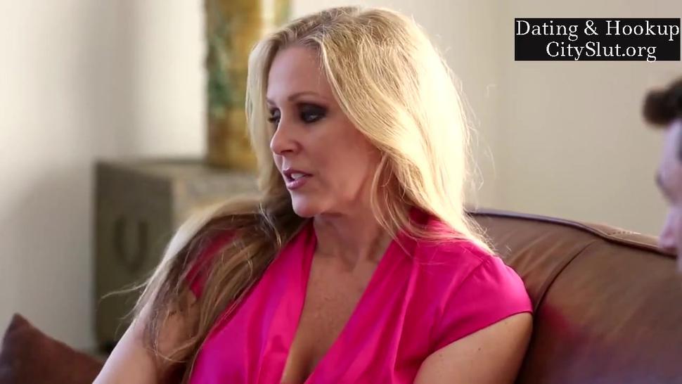 American Hot Big-Tits Blonde Mother Julia Ann