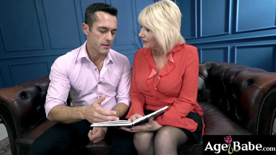 Renato is distracted by the looks of his sexy busty mature teacher Milf Amy