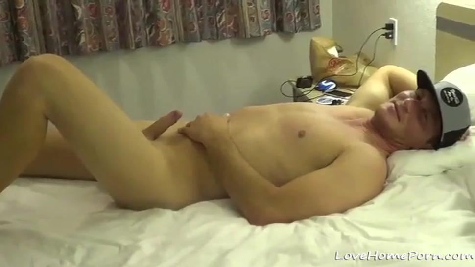Amateur couple records their make out session and bareback fuck