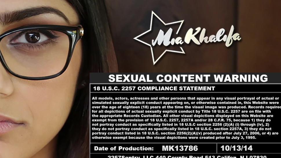 Dirty brunette mia khalifa with big tits gets bonked