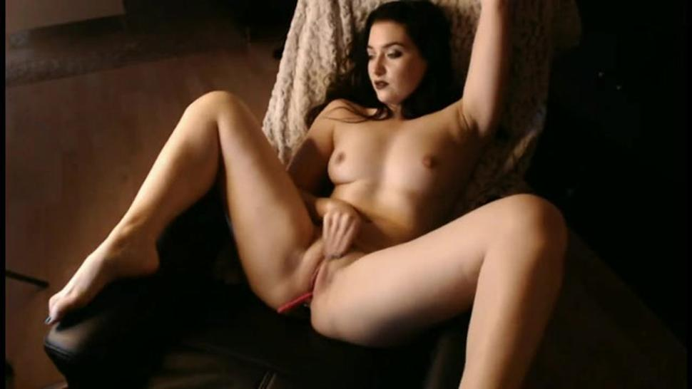 Amazing Arabic Woman Rubs Her Pussy Solo