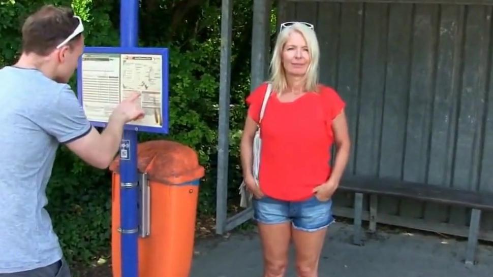 Deutscher Fan Fick Porno mit gblonder Pornomilf