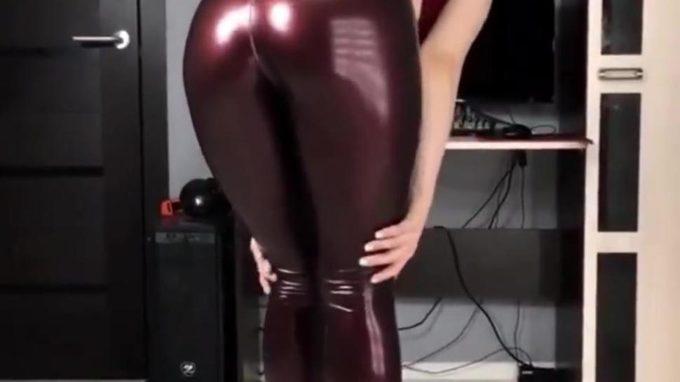 latex sexy ass girl