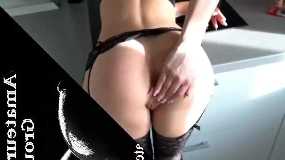 This Hot Girl Loves To Cum Inside Her