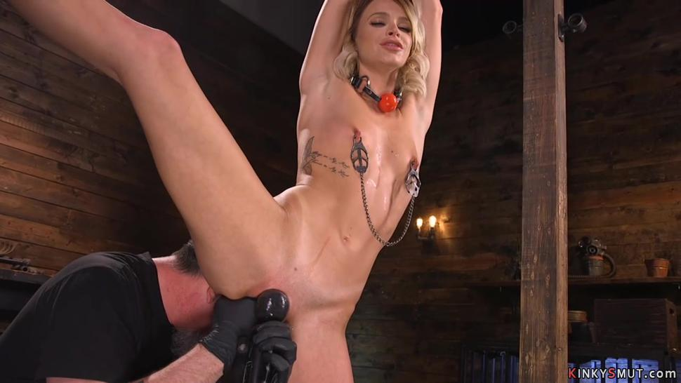 Blonde in suspension pussy toyed