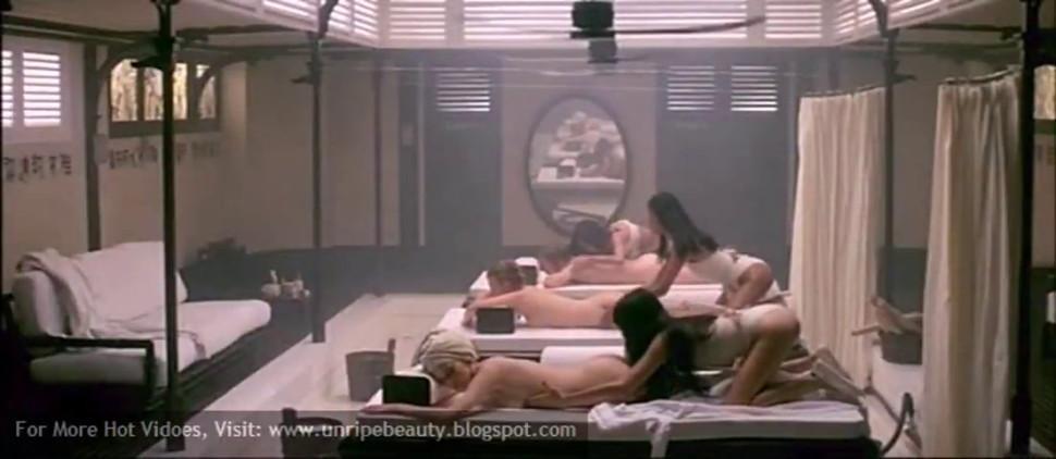 Sylvia Kristel & Catherine Rivet in Emmanuelle 2