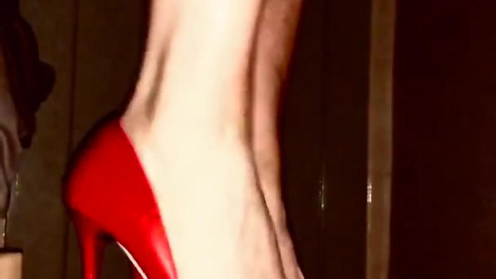 Amateur cockbox high heel trample homemade red heels