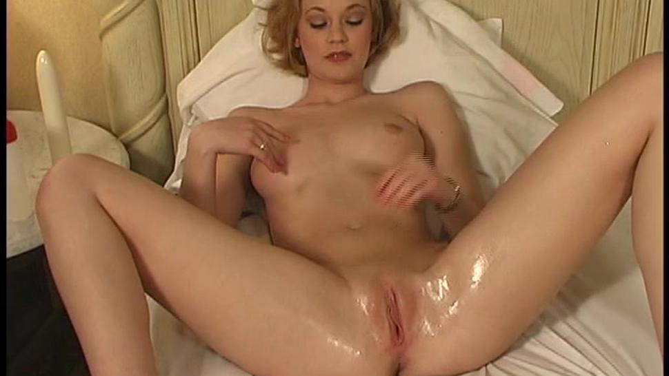 Redhead Big White Vibrator