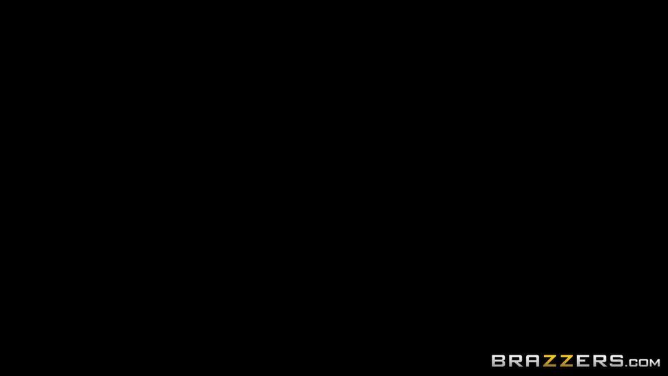 Ava Addams Mommy Got Boobs.1080p