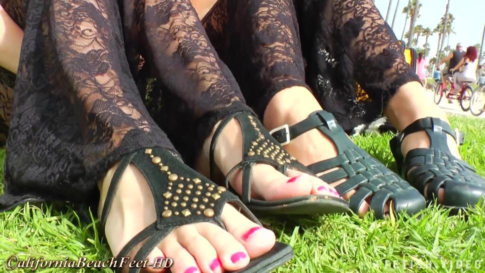 California Beach Feet - 2 Goddesses Ultra Hot Feet