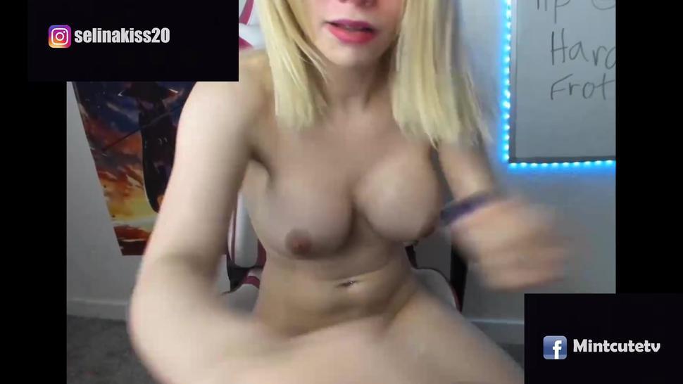 tgirl shemale blonde big tits mastubate her big dick