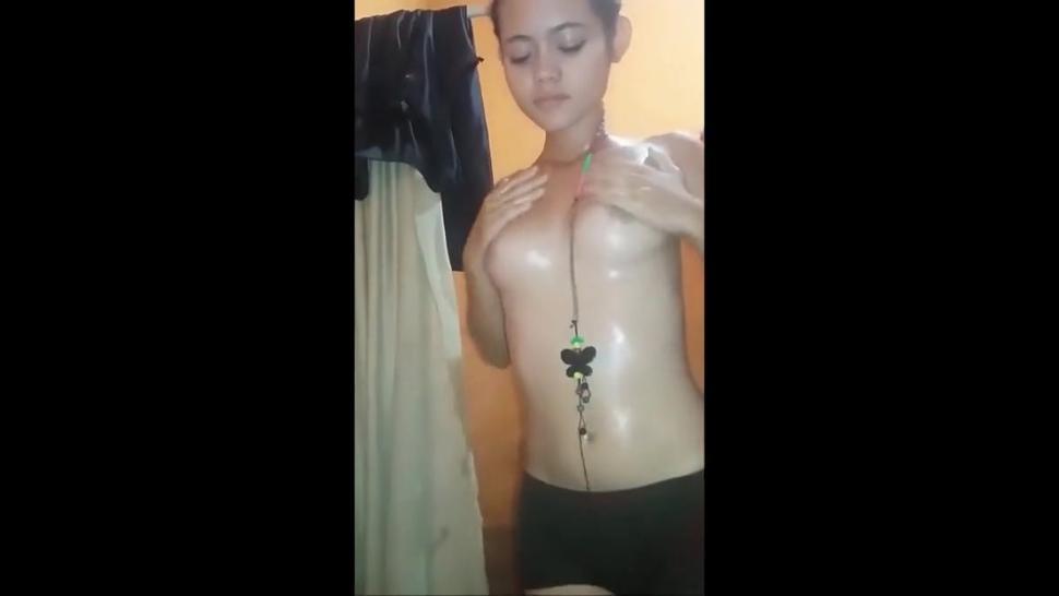 Chica masturbandose