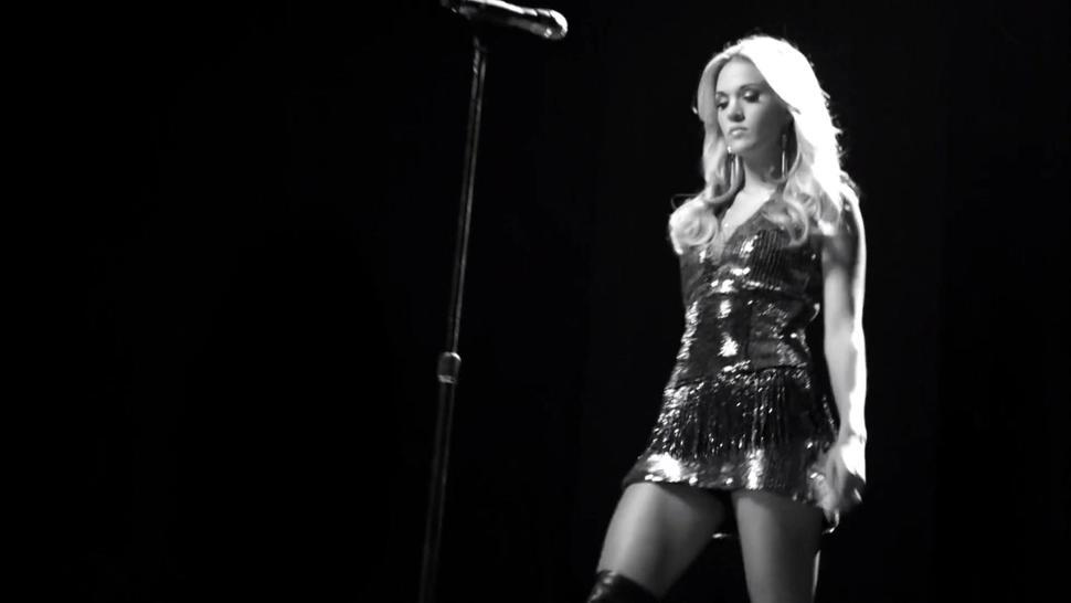 Carrie Underwood - Undo It - Awesome Celeb Pussy Slip!!!
