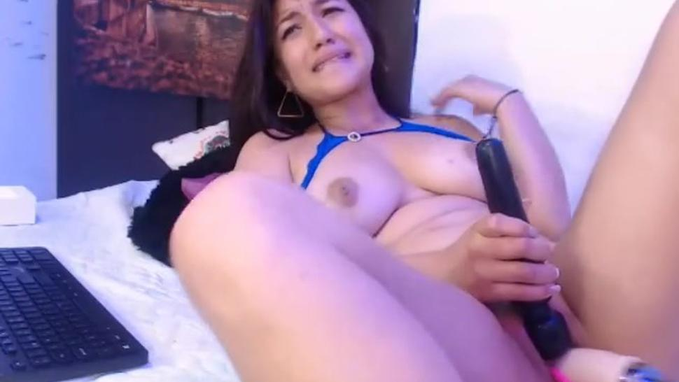 Crazy squirts from latin bitch