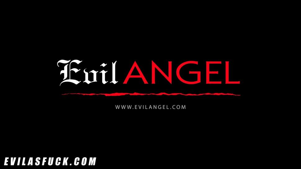 EVIL ANGEL - Little Kenzie Wants Daddy to Help Her Squirt and He Does