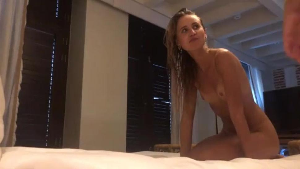 Hot Amateur Chick Gets Banged In Hotel Room